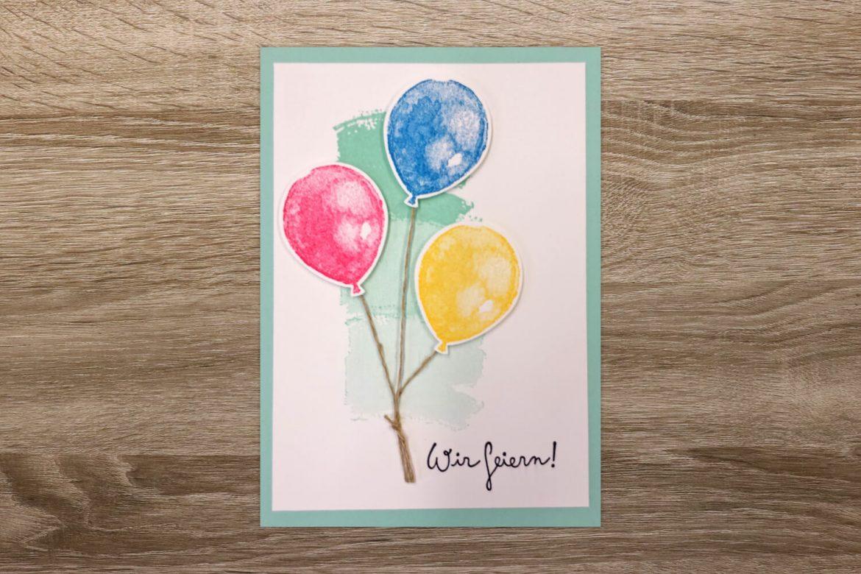 """Geburtstagskarte mit gestempelten Ballons """"Wir feiern"""""""